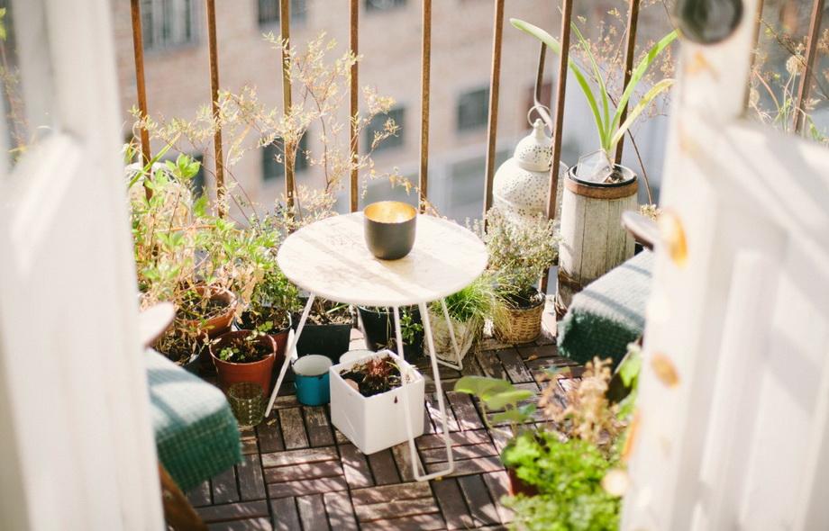 Открытый балкон-весна