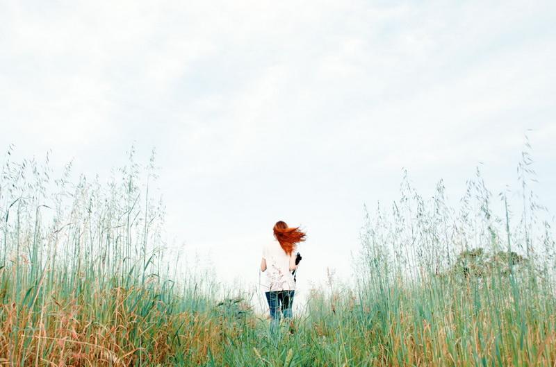 Природа-рыжеволосая женщина