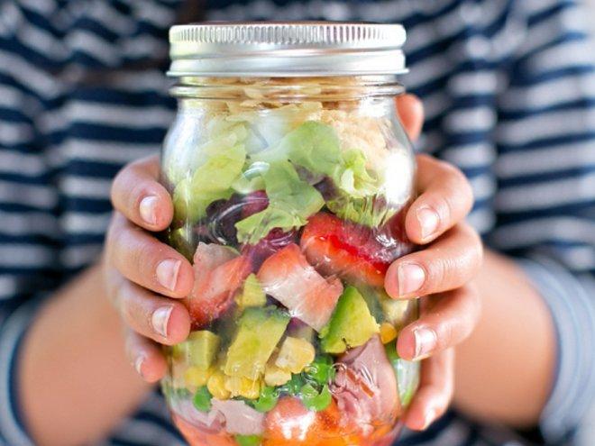 Салат из овощей-в банке
