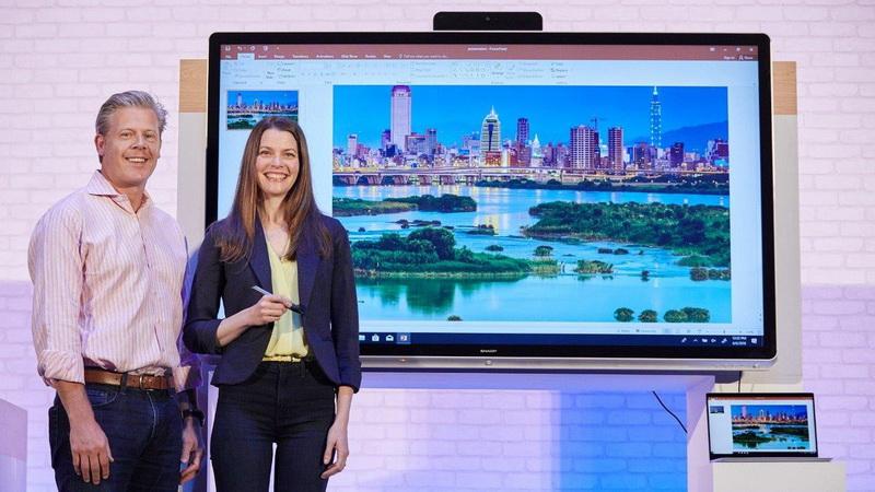 Computex-2018- Microsoft Windows Collaboration Display