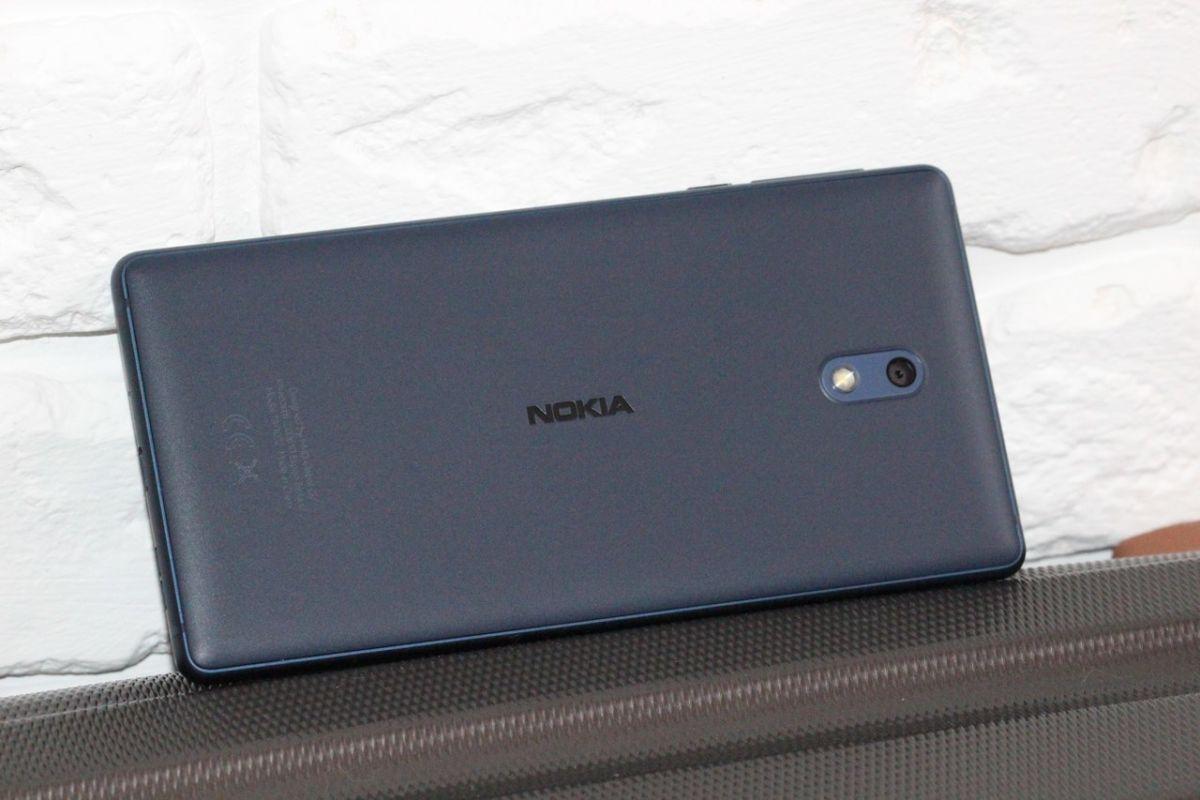Новая линейка смартфонов Nokia. Nokia 5_3_2 2018 - смартфон Nokia 3 2018 задняя панель