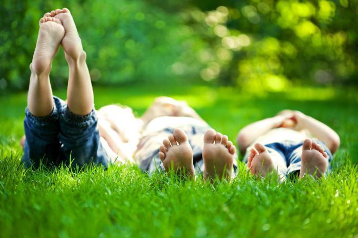 Босиком-по траве