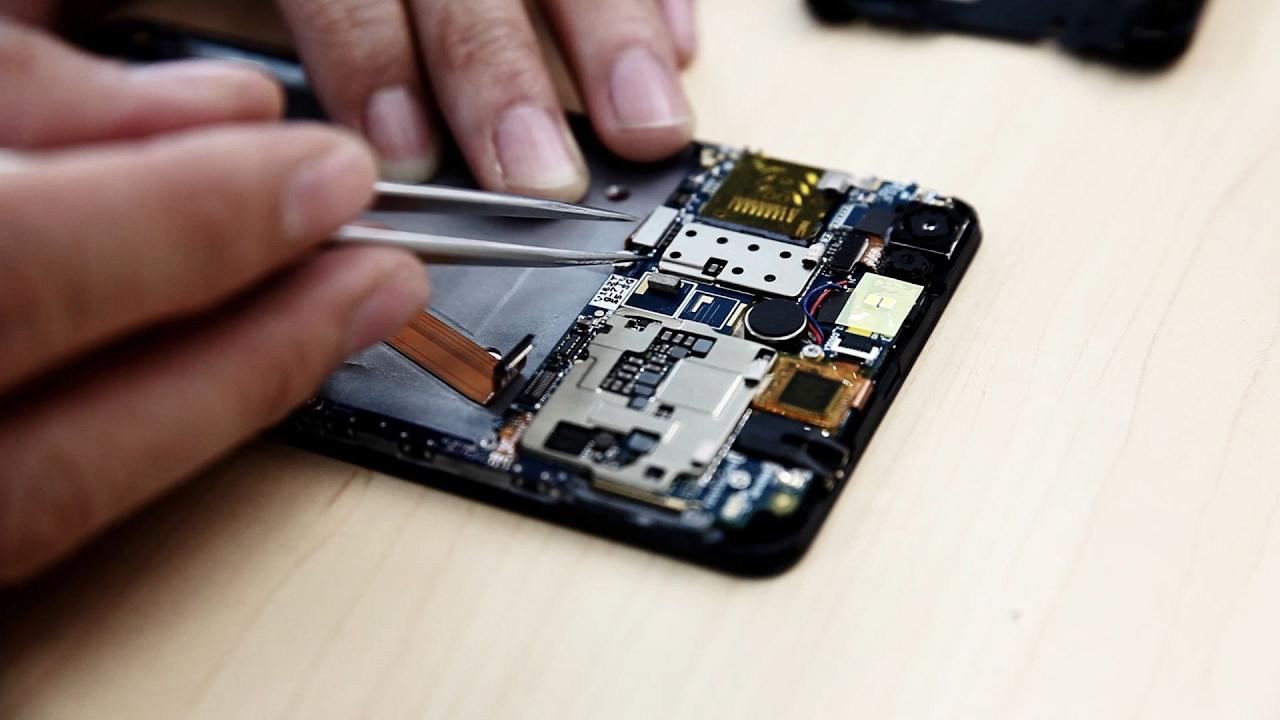 Что делать если смартфон упал в воду_Что делать при попадании жидкости в телефон - разбираем смартфон