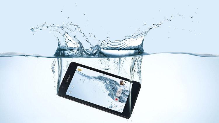 Что делать если смартфон упал в воду_Что делать при попадании жидкости в телефон - смартфон упал в воду