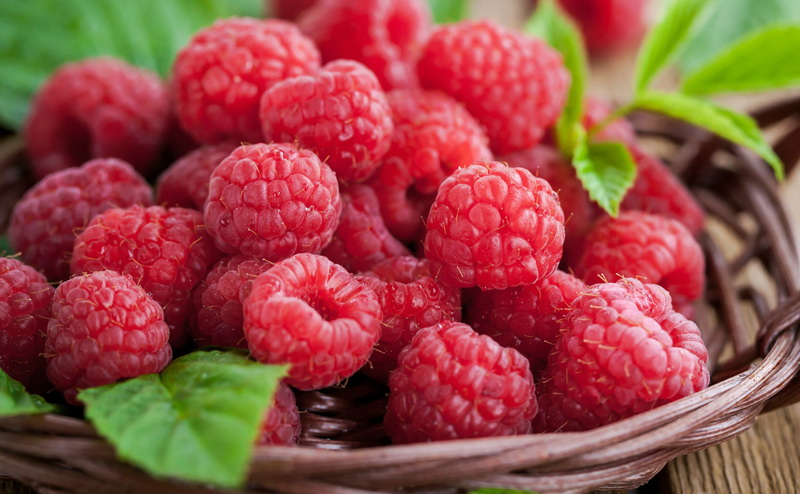 Малина-ягода