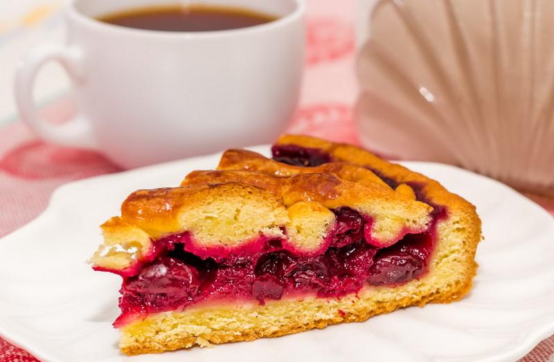 Пирог с вишней-десерт
