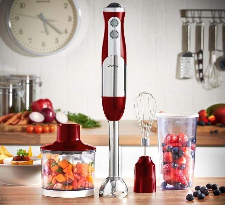 Топ-5 самой полезной техники на кухне - блендер на кухне