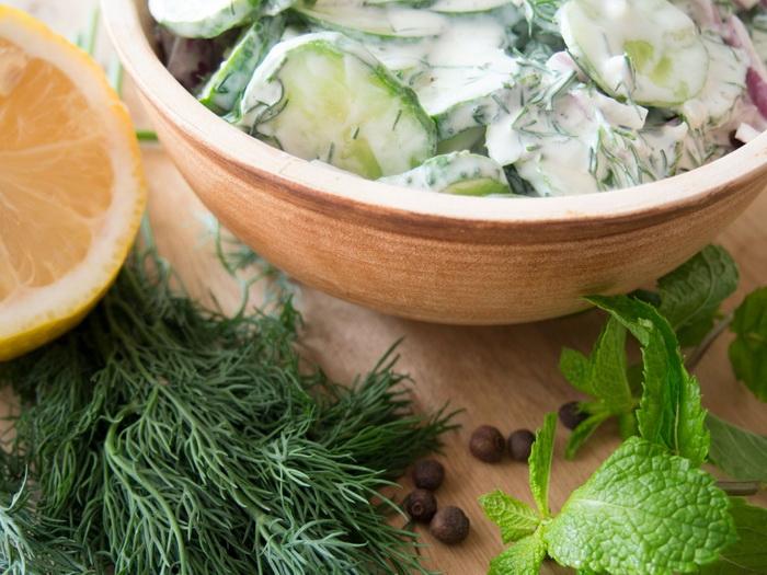 Турецкий огуречный салат-ингредиенты