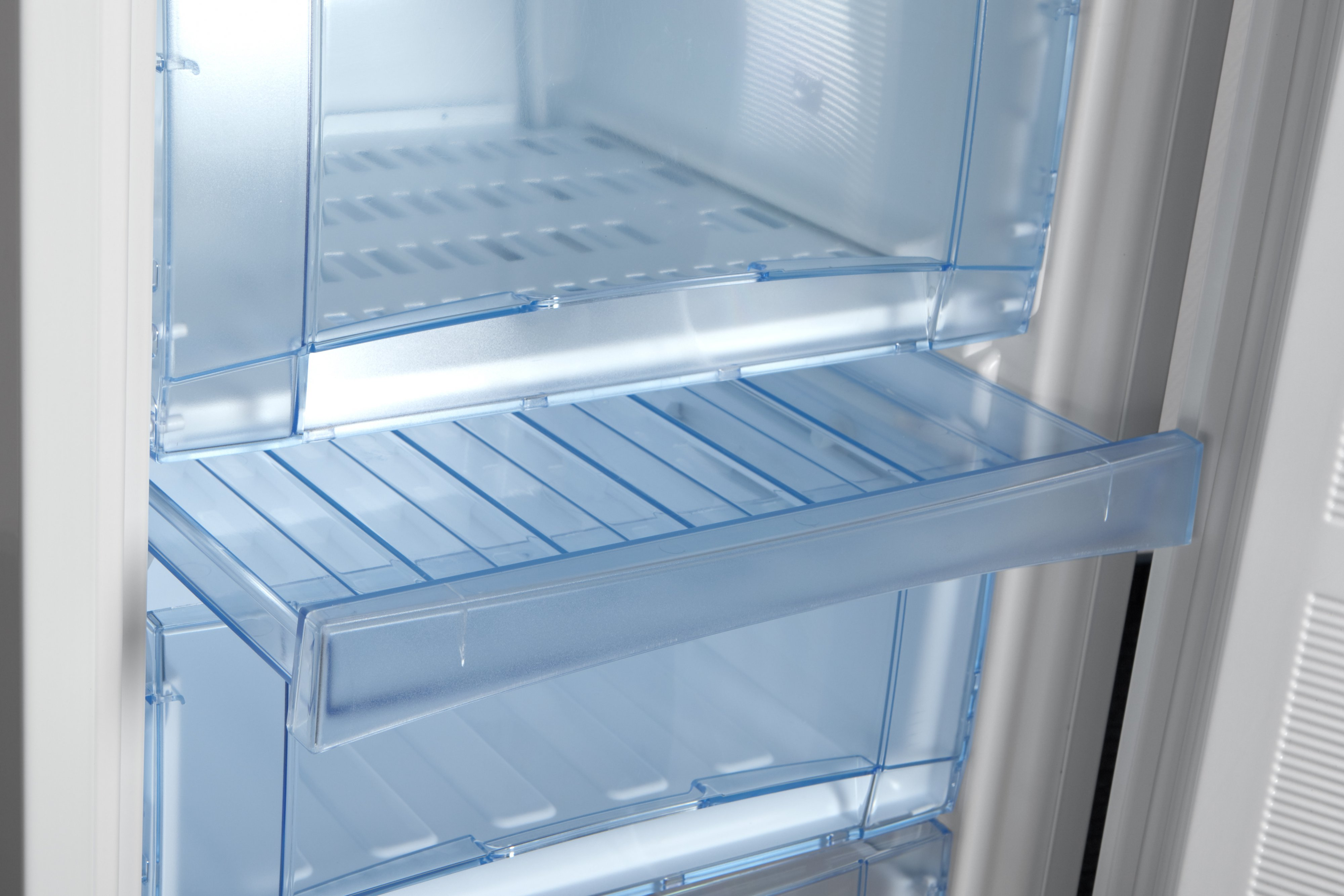 Запасайся вкусностями на круглый год_выбираем морозилку для фруктов - морозильная камера внутри