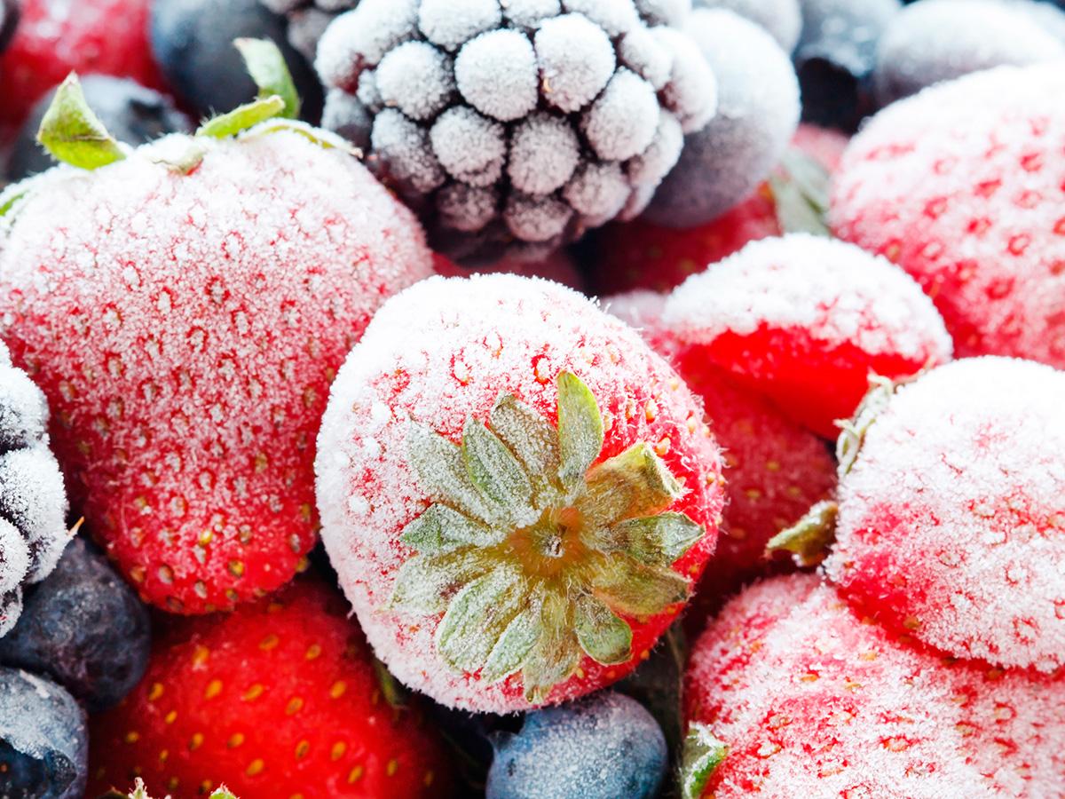 Запасайся вкусностями на круглый год_выбираем морозилку для фруктов - замороженные ягоды