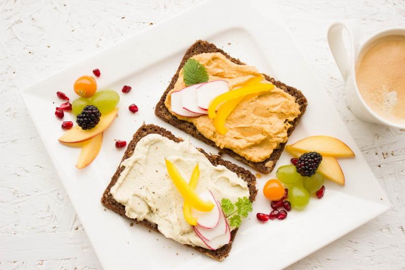 breakfast healthy-colorful hummusspread