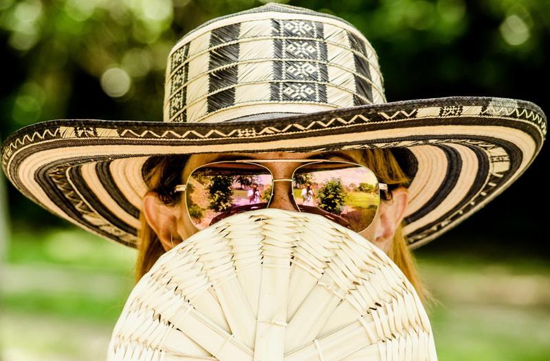 woman-hat sunglass