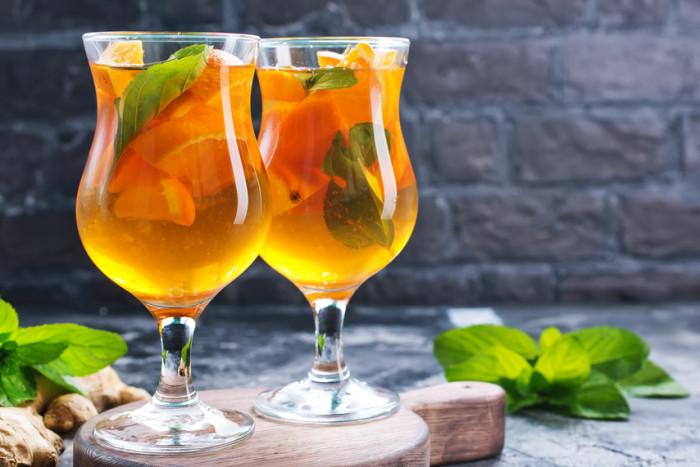 Апельсиновый лимонад-подача