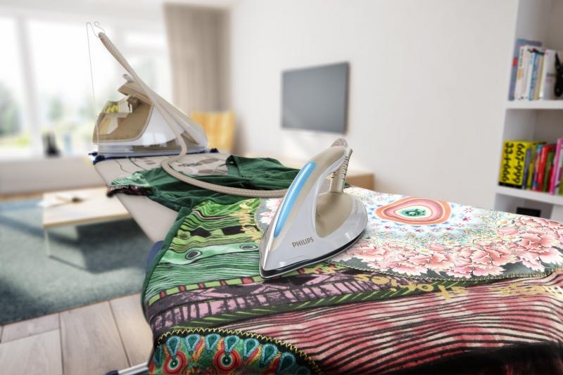 Блистайте в аккуратных платьях и сарафанах лучшие утюги для идеальной глажки - парогенератор в быту