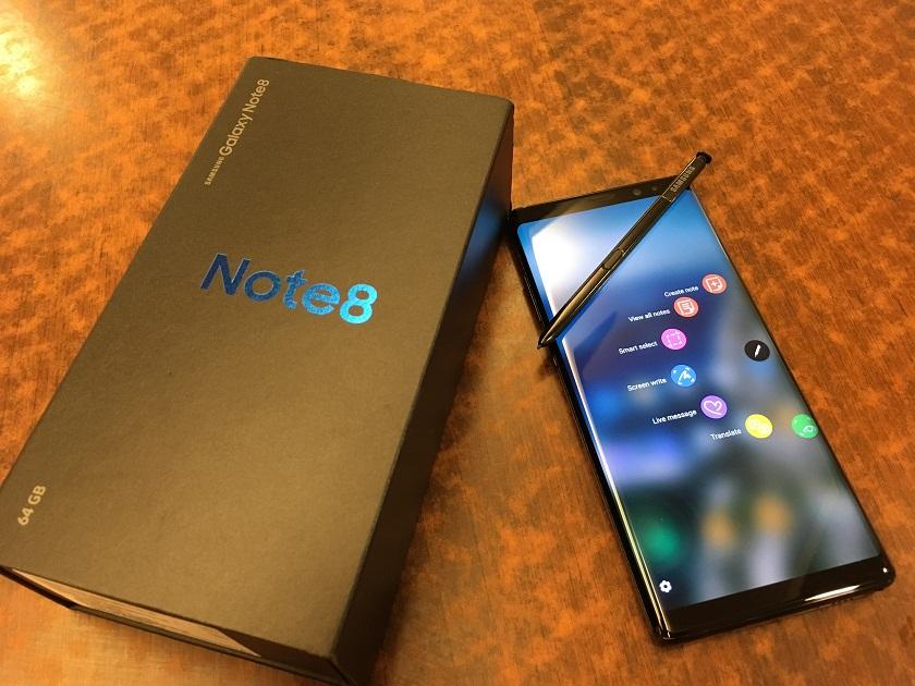 Бой между лидерами рынка сравнение Apple iPhone X vs Samsung Galaxy Note 8 - galaxy note 8 с коробкой