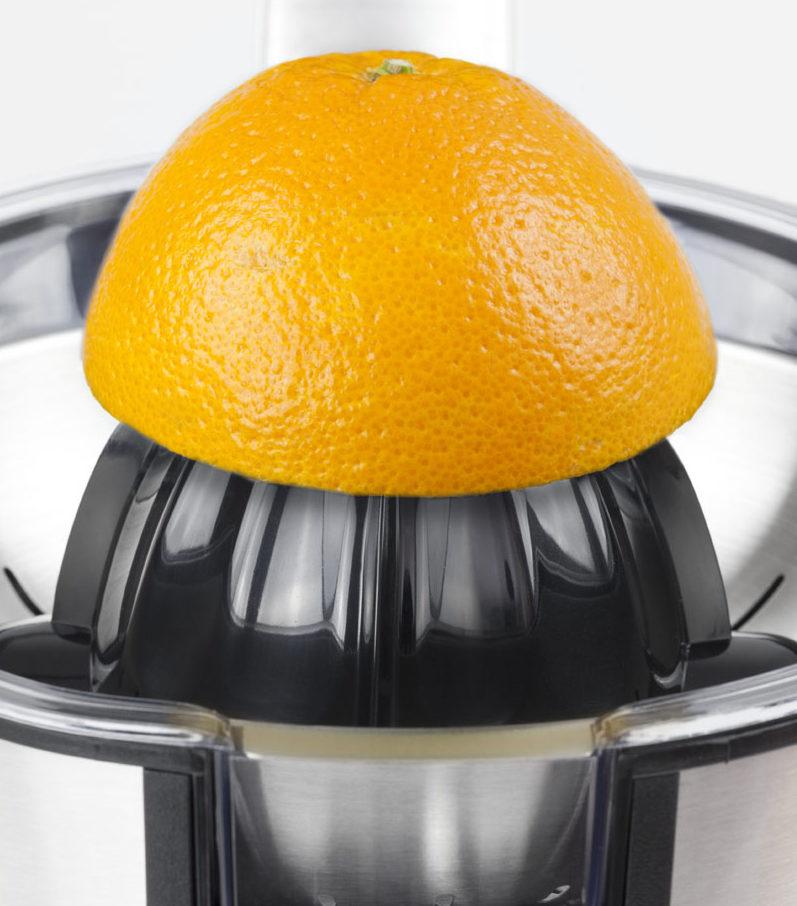 Лучшие соковыжималки с цитрус-прессами - апельсин на цитрус-прессе