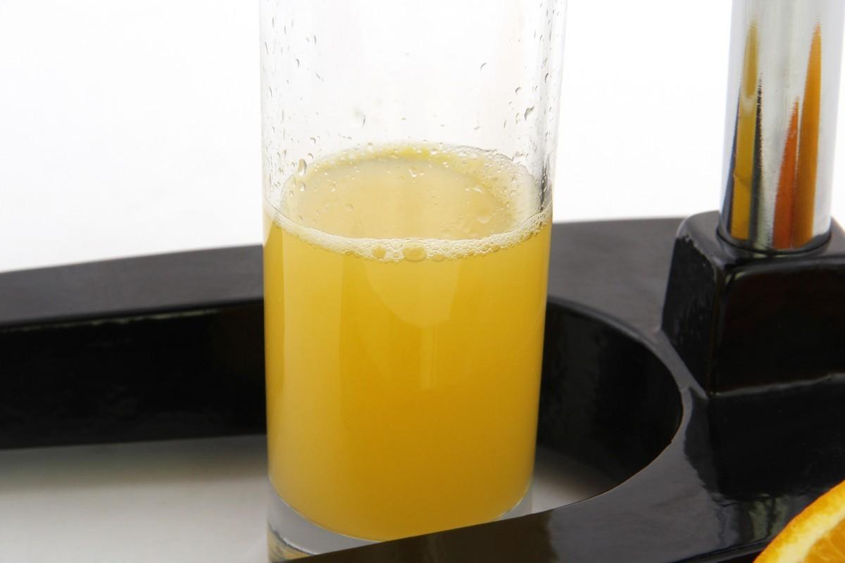 Лучшие соковыжималки с цитрус-прессами - цитрусовый сок