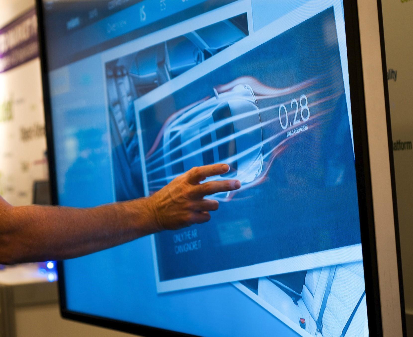 Мониторы, соперничающие с телевизорами модели с широкой диагональю - сенсорный монитор