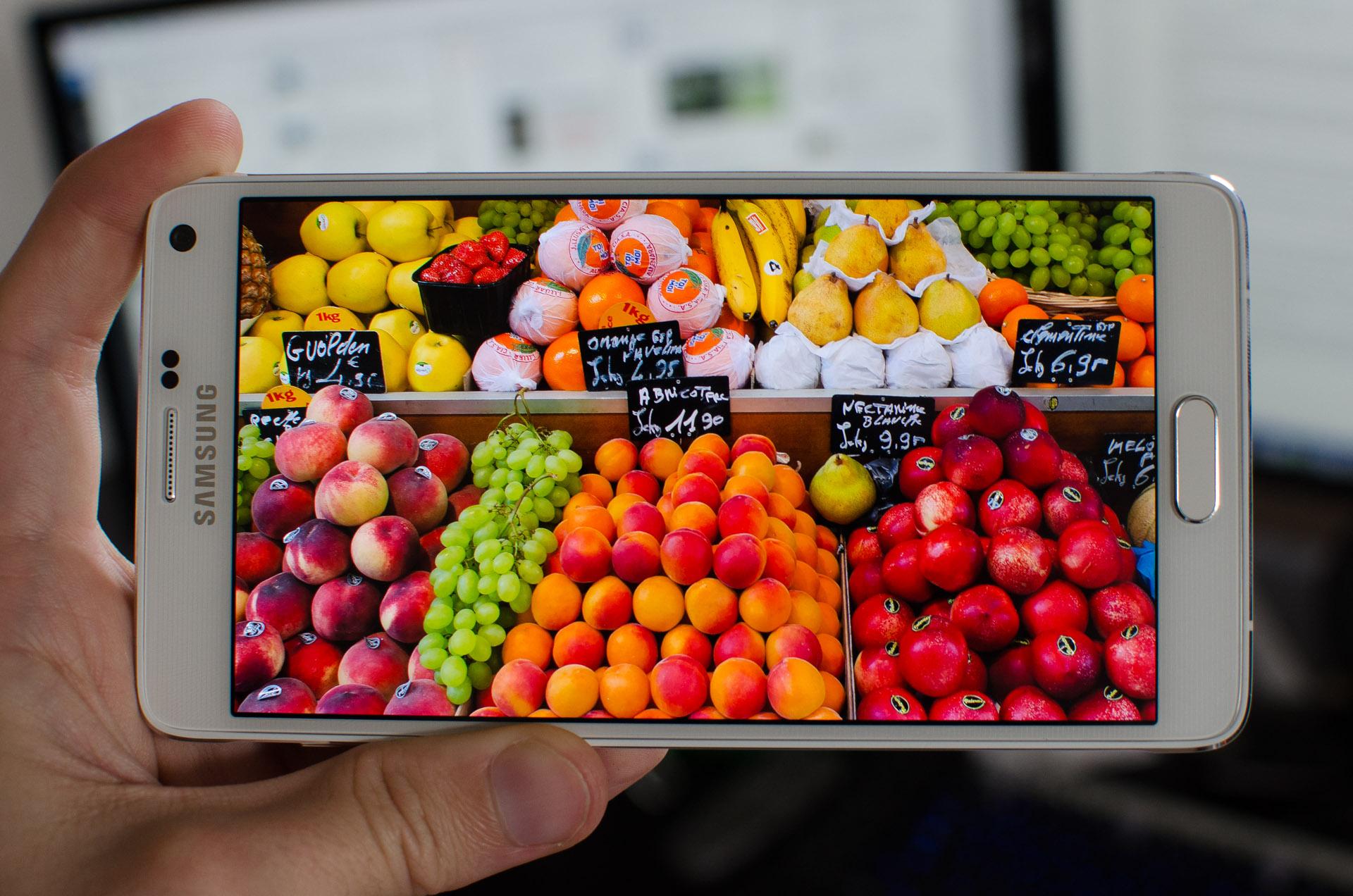 Сочность и яркость_смартфоны с лучшими экранами - тип экрана amoled