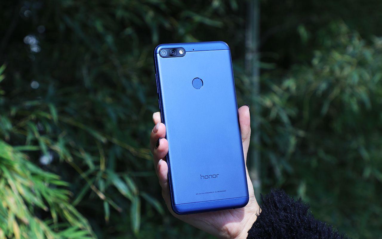 Топ недорогих смартфонов, которые неожиданно хороши - Honor 7C