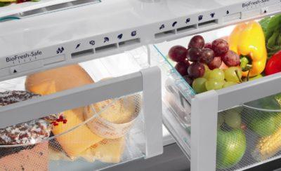 Еда лежит в нулевой камере холодильника