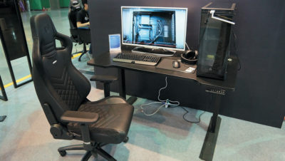 Розміщення системника на столі
