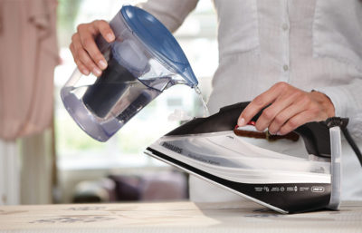 Clear Water (в резервуар утюга следует заливать только очищенную от солей воду)