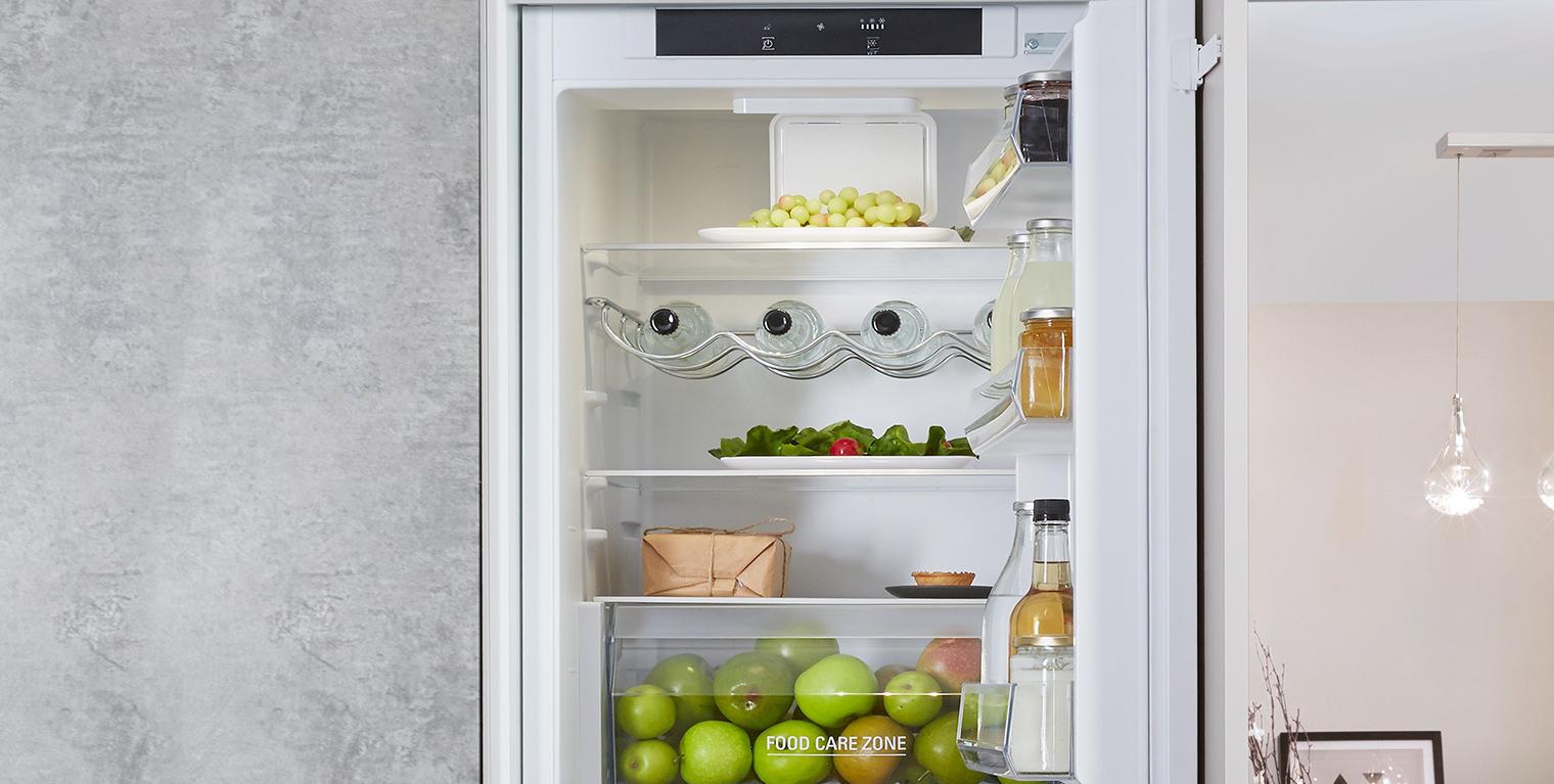 Холодильники Hotpoint Ariston _ лучши модели ТОП-ового бренда на рынке Украины - Hotpoint-Ariston BCB 7030 E C AA 03