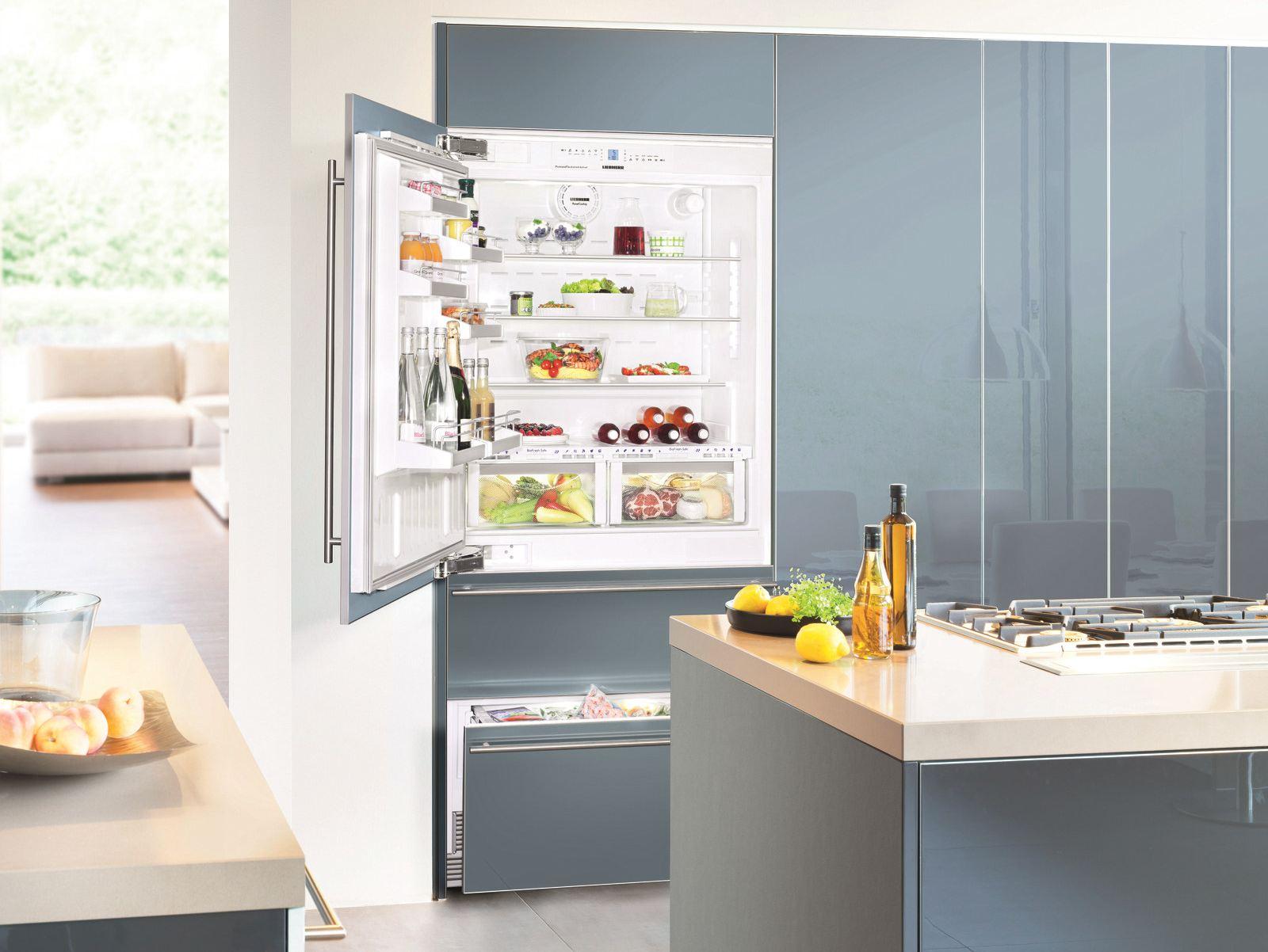 Холодильники Hotpoint Ariston _ лучши модели ТОП-ового бренда на рынке Украины - холодильник внутри