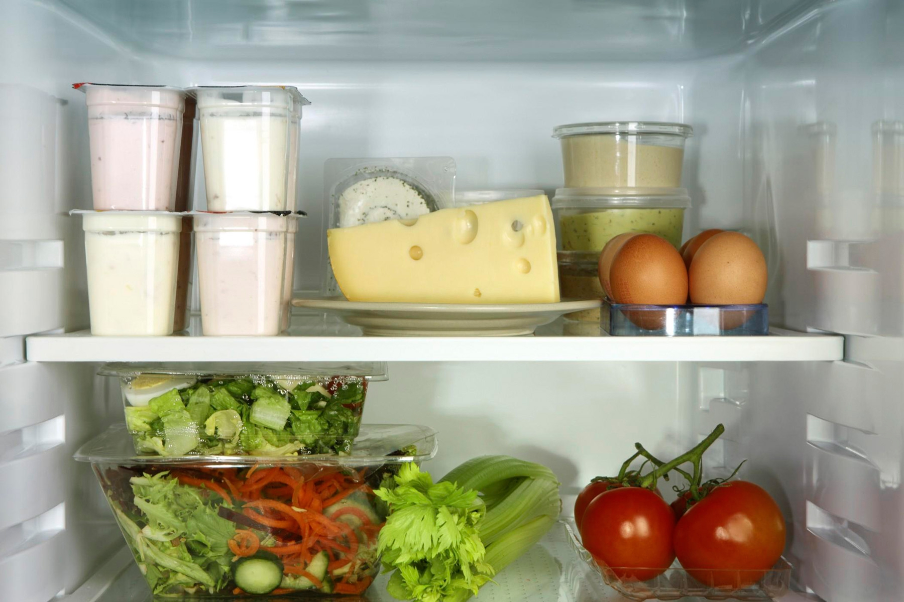 Холодильники Hotpoint Ariston _ лучши модели ТОП-ового бренда на рынке Украины - продукты в холодильнике