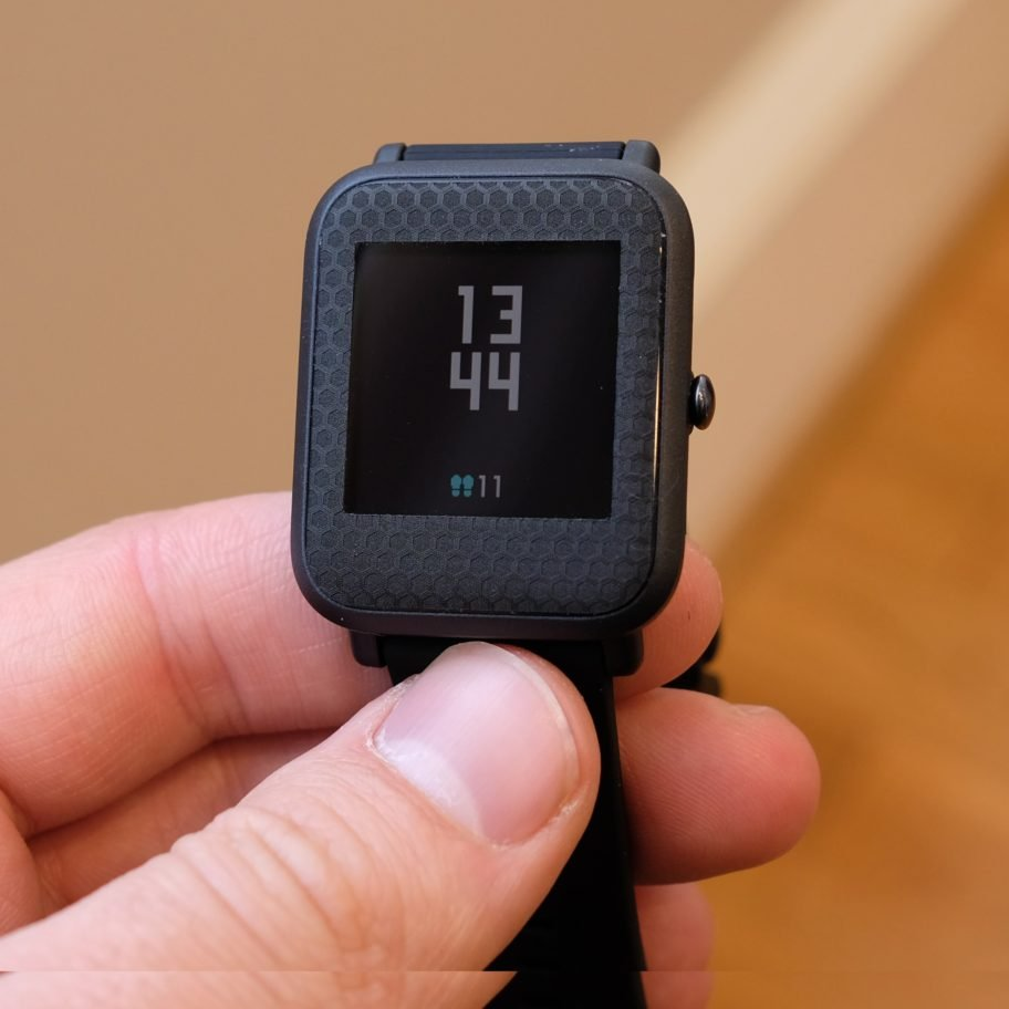 Лучшие smart watch для девушек_гайд по выбору самого стильного гаджета - Amazfit Bip