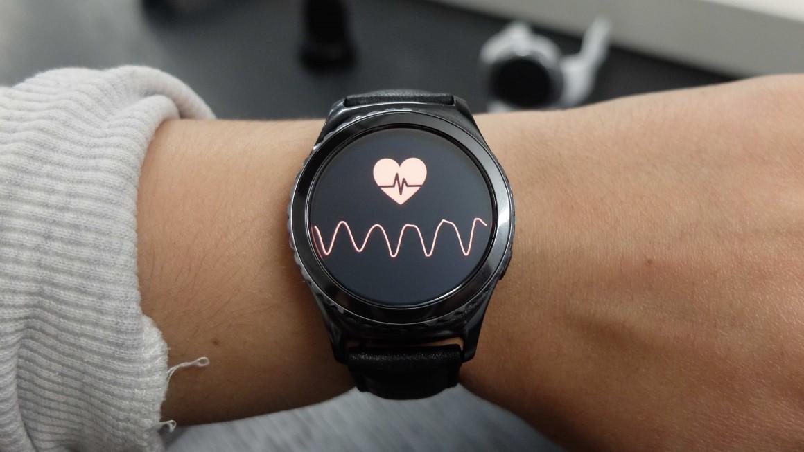 Лучшие smart watch для девушек_гайд по выбору самого стильного гаджета - сердцебиение в часах