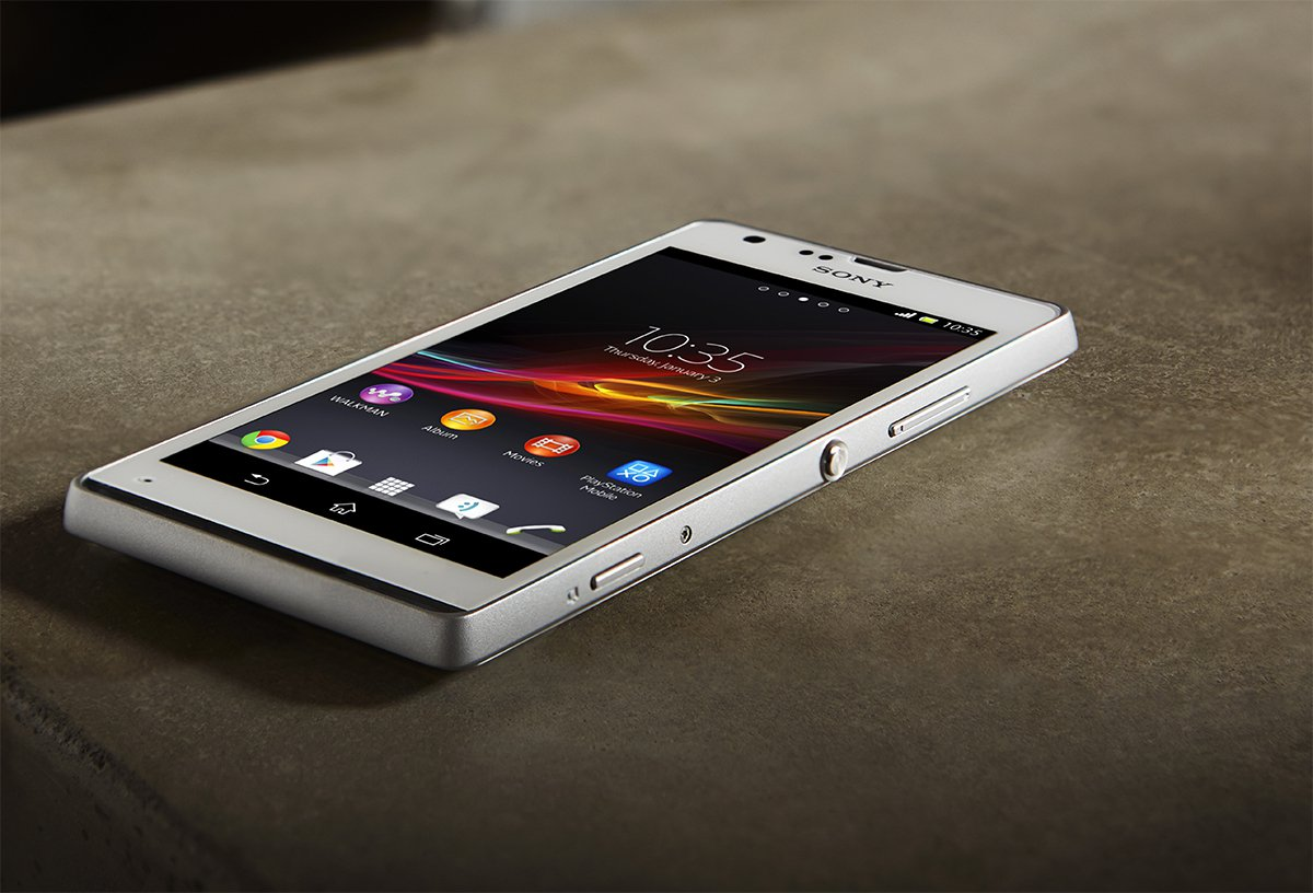 Обзор лучших смартфонов на 2 SIM-карты - белый смартфон Sony