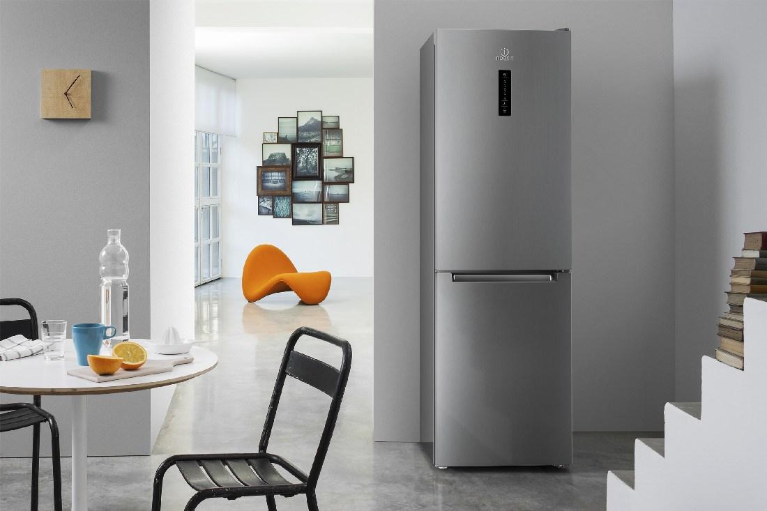 Рейтинг холодильников Indesit по оценкам экспертов COMFY - холодильник Indesit серого цвета