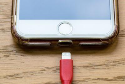 iPhone - соединение по кабелю