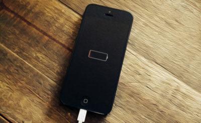 iPhone (не заряджається смартфон)