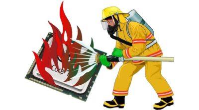 пожарный тушит монитор