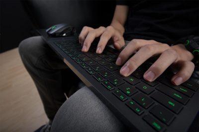 руки клавиатура
