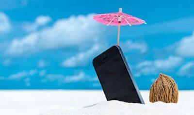 смартфон на солнце