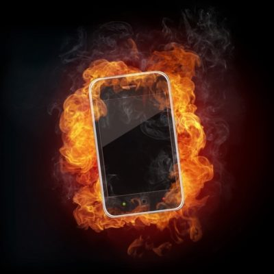 смартфон в огне