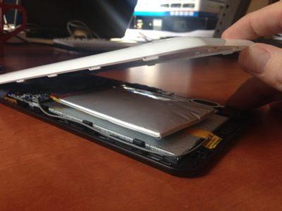 вздулась батарея на смартфоне