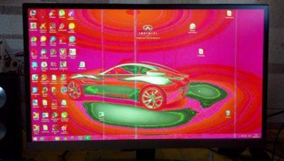 Неисправный монитор с красным экраном