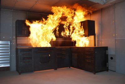 Пожар в кухне - следствие невнимательного обращения с плитой