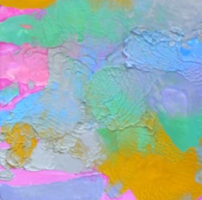 Разноцветная картина восковыми мелками