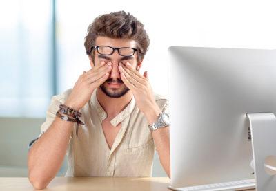 Eyes-Hurt (чому болять очі від сидіння за монітором?