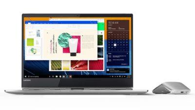 Ноутбук з відкритими програмами