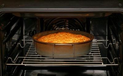 Пиріг у духовці