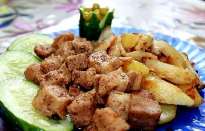 Рецепт картоплі з м'ясом для пароварки