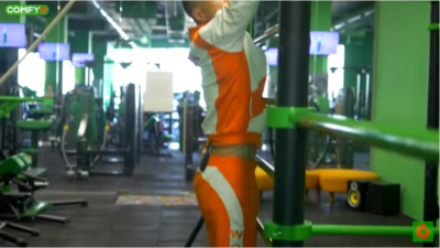 Упражнения для спины на шведской стенке