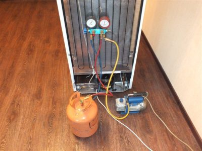 Freon-zapravka (заправка холодильника фреоном)